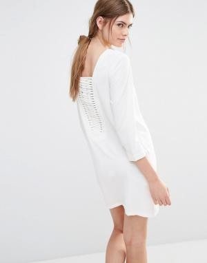 See U Soon Цельнокройное платье с решетчатой вставкой сзади. Цвет: кремовый