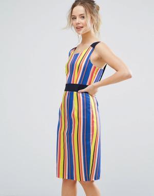 Closet London Платье-футляр в полоску с контрастным поясом. Цвет: мульти