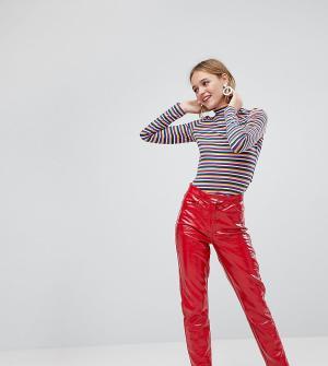 Monki Виниловые брюки. Цвет: красный