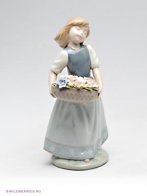 Фигурка Девушка с цветами Pavone. Цвет: серо-голубой, бежевый