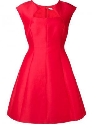 Приталенное платье с геометрическим вырезом Halston Heritage. Цвет: красный