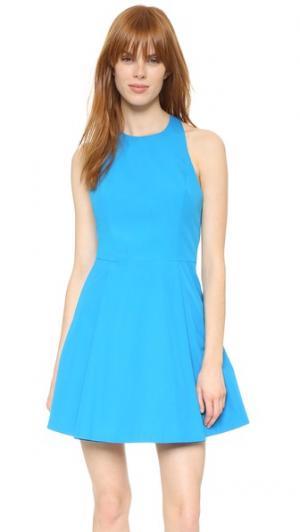 Платье Christie с широкими складками и округлым вырезом alice + olivia. Цвет: голубой