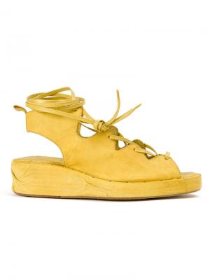 Сандалии на шнуровке Masnada. Цвет: жёлтый и оранжевый