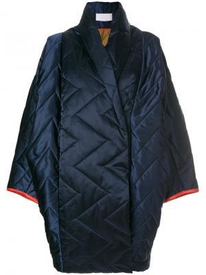 Объемное стеганое пальто Reality Studio. Цвет: синий