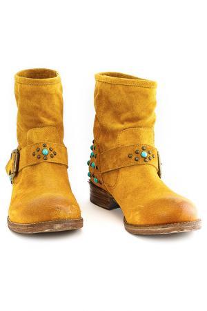 Ботинки GEORGE J. LOVE. Цвет: желтый