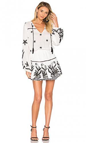 Мини платье с украшением amanda Karina Grimaldi. Цвет: белый