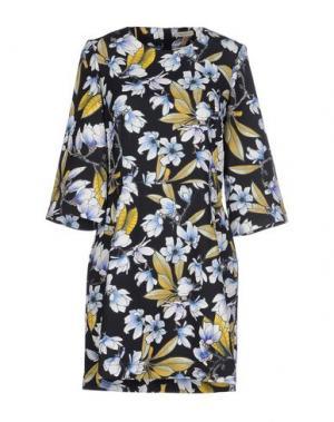 Короткое платье EMMA COOK. Цвет: черный