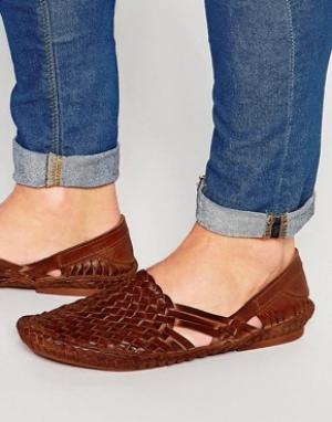 ASOS Кожаные плетеные сандалии. Цвет: рыжий