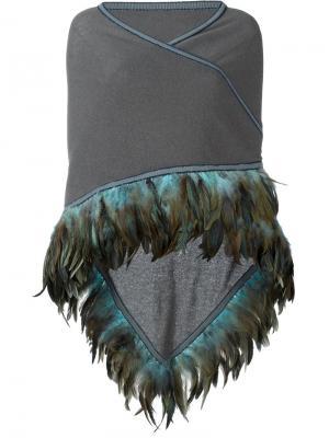 Накидка с отделкой из перьев Antonia Zander. Цвет: серый