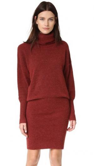 Трикотажное платье-футляр Alta Designers Remix. Цвет: темно-красный