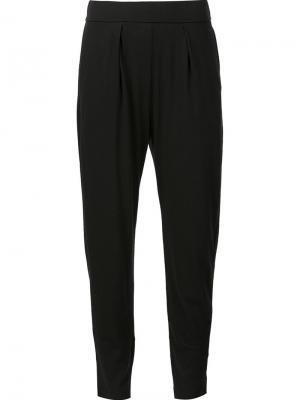 Зауженные брюки Raquel Allegra. Цвет: чёрный