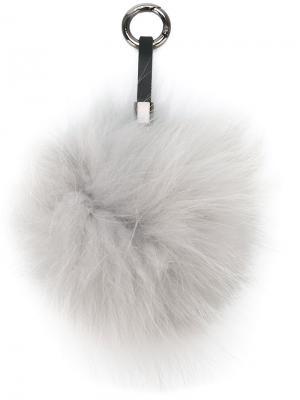 Брелок с помпоном N.Peal. Цвет: серый