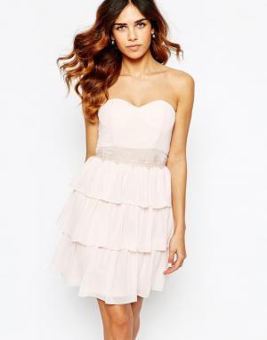 Elise Ryan Платье-бандо с кружевной отделкой. Цвет: розовый