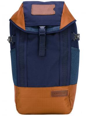 Colour-block backpack Eastpak. Цвет: синий