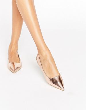 Raid Остроносые туфли на плоской подошве цвета розового золота Agatha. Цвет: золотой