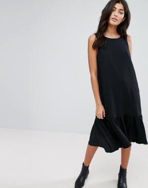 YMC Платье с заниженной талией и оборкой по краю. Цвет: черный