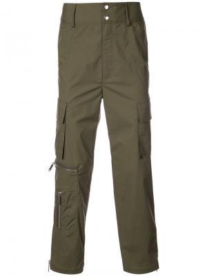 Спортивные брюки Galvez Public School. Цвет: зелёный