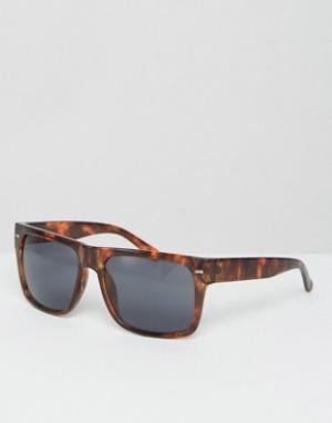 Jeepers Peepers Черепаховые солнцезащитные очки с плоским верхом. Цвет: коричневый
