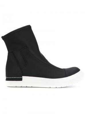 Контрастные спортивные ботинки Cinzia Araia. Цвет: чёрный