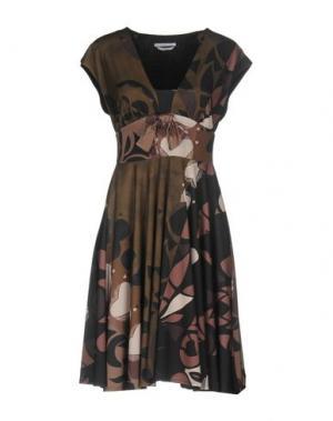 Платье до колена BIANCOGHIACCIO. Цвет: зеленый-милитари