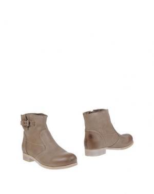 Полусапоги и высокие ботинки FABBRICA MORICHETTI. Цвет: песочный