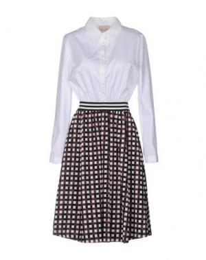 Платье до колена LOU LONDON. Цвет: белый