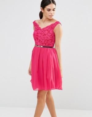 Laced In Love Кружевное платье. Цвет: розовый