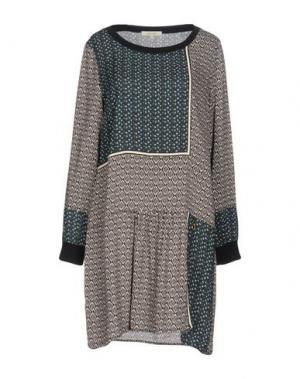Короткое платье KORALLINE. Цвет: темно-зеленый