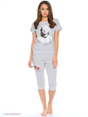 Костюм женский ( футболка, бриджи) HomeLike. Цвет: светло-серый