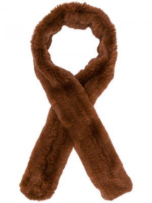 Классический шарф Yves Salomon Accessories. Цвет: коричневый