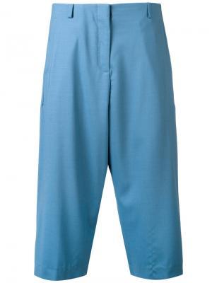 Укороченные брюки Aalto. Цвет: синий