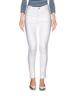 Джинсовые брюки FIVEUNITS. Цвет: белый
