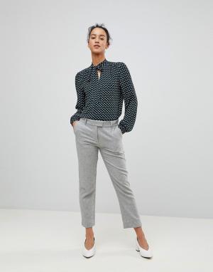 See U Soon Строгие брюки. Цвет: серый