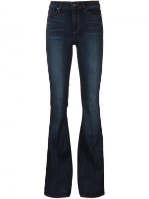 Классические расклешенные джинсы Paige. Цвет: синий
