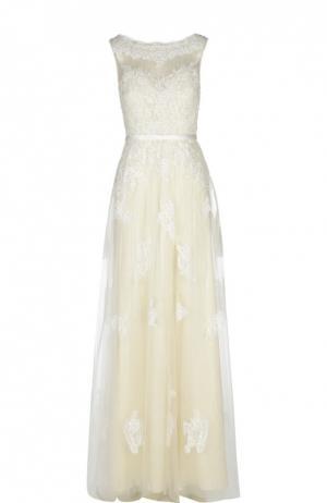 Вечернее платье Basix Black Label. Цвет: бежевый