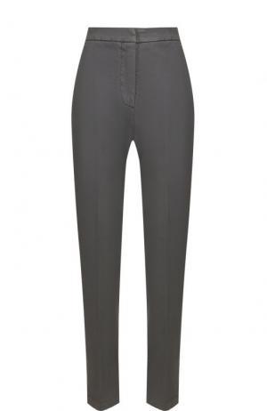 Укороченные брюки со стрелками и карманами Two Women In The World. Цвет: серый