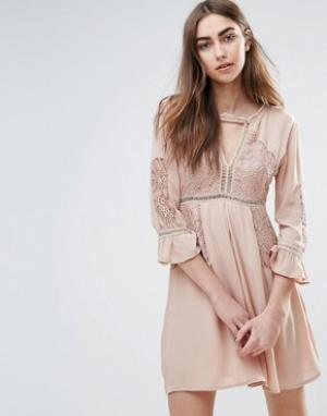 Raga Платье с расклешенными рукавами Love Always. Цвет: кремовый
