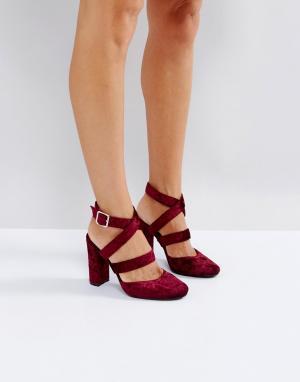 London Rebel Бархатные туфли на высоком каблуке. Цвет: красный