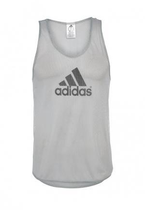 Майка adidas Performance. Цвет: серый