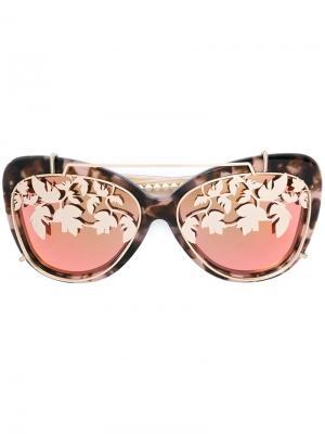 Солнцезащитные очки в оправе кошачий глаз Matthew Williamson. Цвет: телесный
