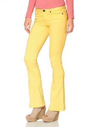 , брюки «клёш» из очень эластичного материала AJC. Цвет: желтый
