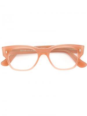 Оптические очки в прямоугольной оправе Cutler & Gross. Цвет: розовый и фиолетовый