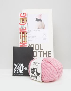 Wool and the Gang Набор для вязания шапки с помпоном & DIY Zion Lion. Цвет: розовый