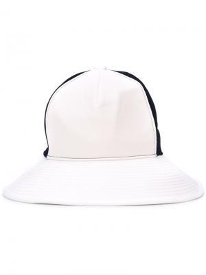 Шляпа с панельным дизайном Facetasm. Цвет: синий