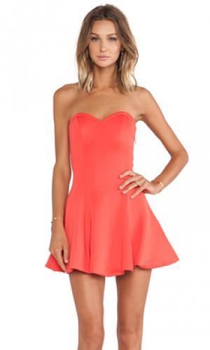 Приталенное и расклешенное платье wisteria Lovers + Friends. Цвет: оранжевый