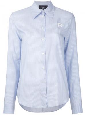 Рубашка с вышитой буквой R Rochas. Цвет: синий