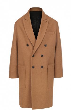 Шерстяное двубортное пальто с остроконечными лацканами Ami. Цвет: бежевый