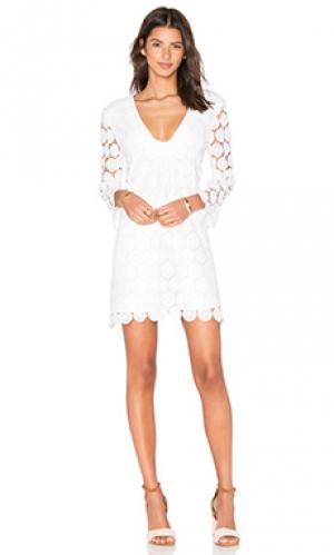 Платье clyde AGAIN. Цвет: белый