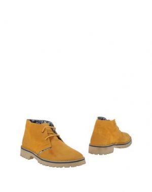 Полусапоги и высокие ботинки LE CROWN. Цвет: охра