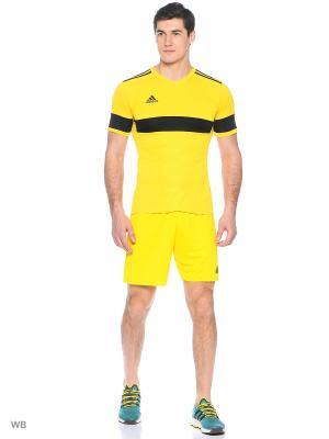 Спортивные шорты Adidas. Цвет: желтый
